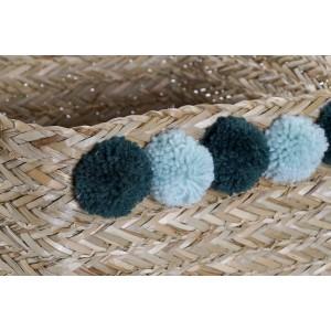 Košík z morskej trávy s rúčkami a modrými bombuľkami malý 32730
