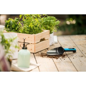 Malá lopatka na výsadbu malých rastlín v kvetináči a v záhone s vysoko kvalitnej nehrdzavejúcej ocele,  s ergomicky tvarovanou rukoväťou ERGO 33714